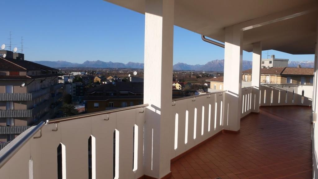 Attico / Mansarda in vendita a Pasian di Prato, 4 locali, zona Località: S.aCaterina, prezzo € 220.000 | Cambio Casa.it