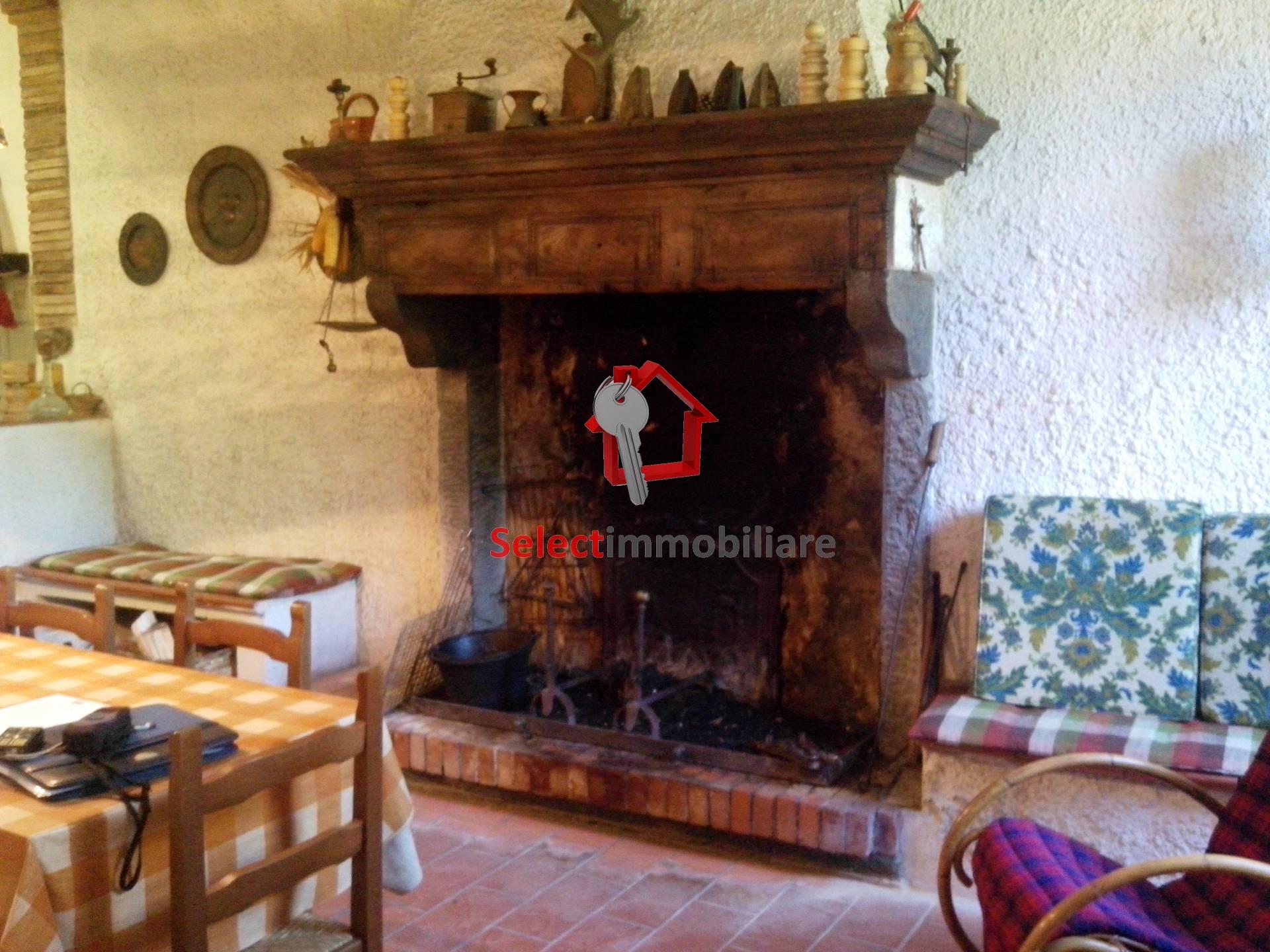 Soluzione Semindipendente in vendita a Pescaglia, 7 locali, prezzo € 135.000 | CambioCasa.it