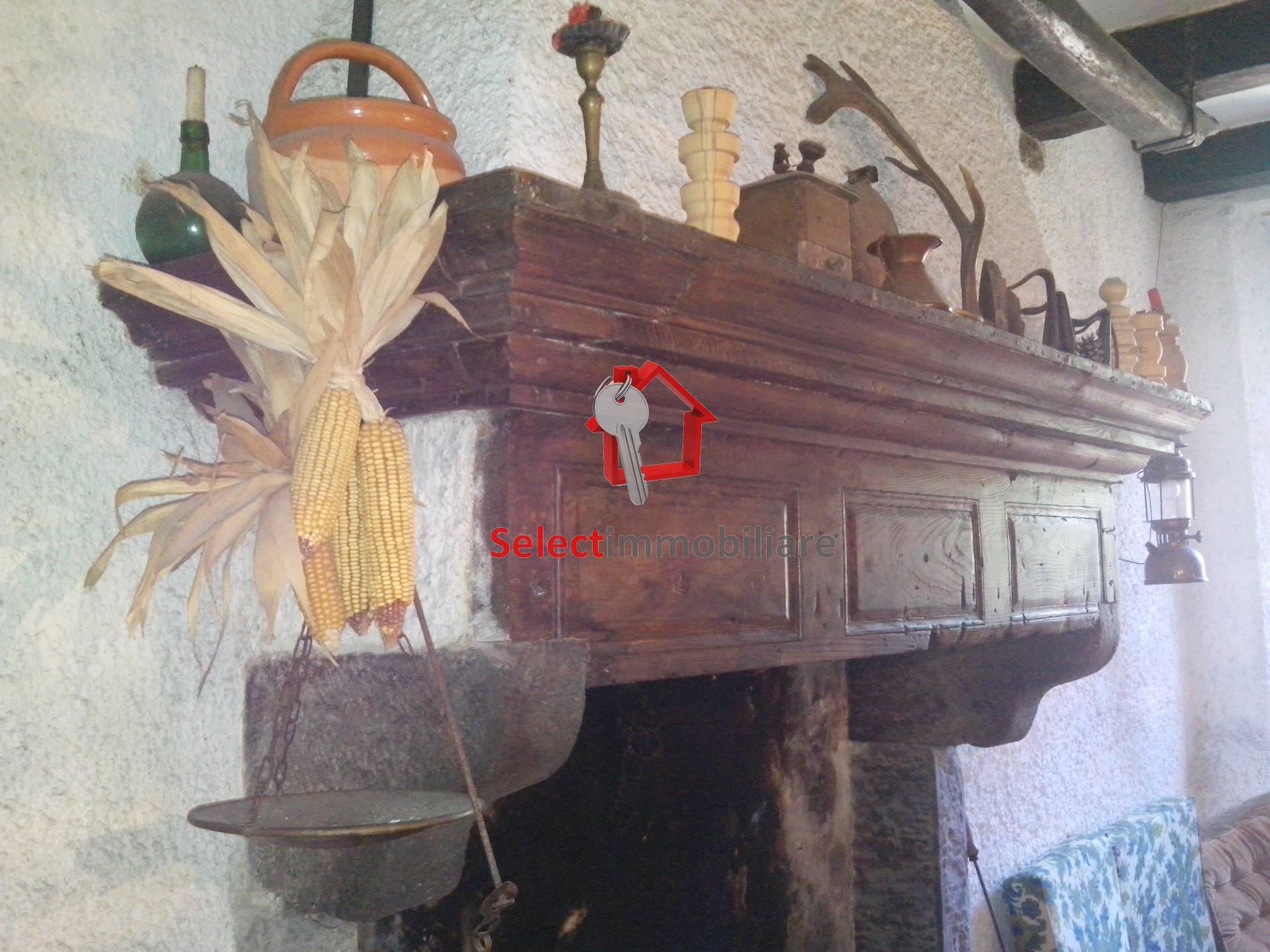Soluzione Semindipendente in vendita a Pescaglia, 7 locali, prezzo € 135.000   Cambio Casa.it