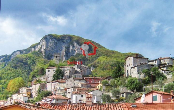 Appartamento in vendita a Gallicano, 3 locali, prezzo € 140.000 | Cambio Casa.it