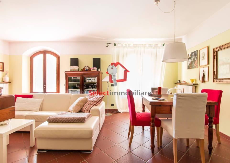 Villa in vendita a Bagni di Lucca, 11 locali, Trattative riservate | Cambio Casa.it