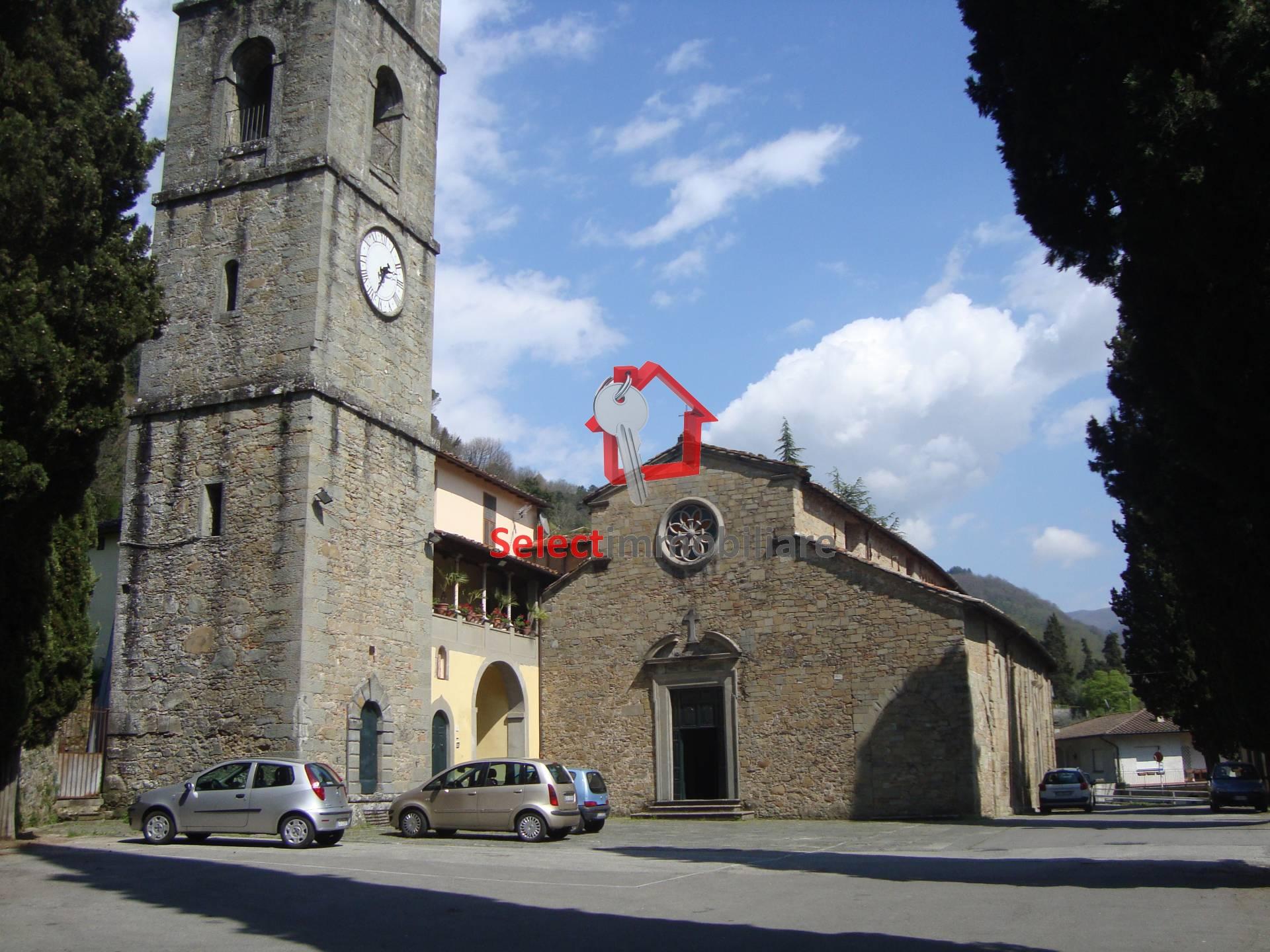 Appartamento in vendita a Bagni di Lucca, 4 locali, prezzo € 100.000 | Cambio Casa.it