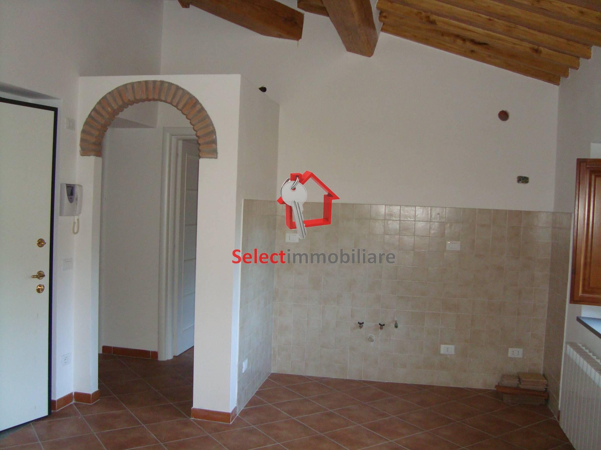 Appartamento in affitto a Borgo a Mozzano, 3 locali, zona Zona: Dezza, prezzo € 135.000 | Cambio Casa.it