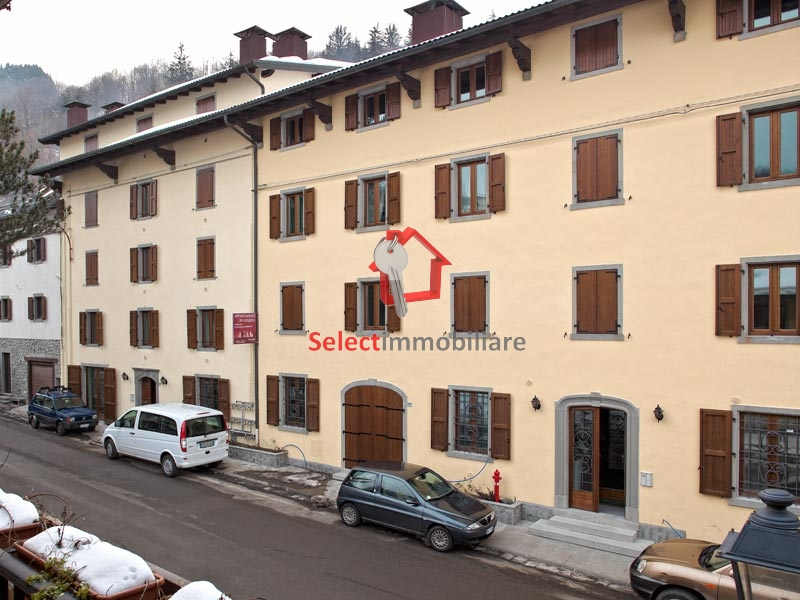 Appartamento in vendita a Fiumalbo, 4 locali, zona Zona: Dogana, prezzo € 330.000 | CambioCasa.it