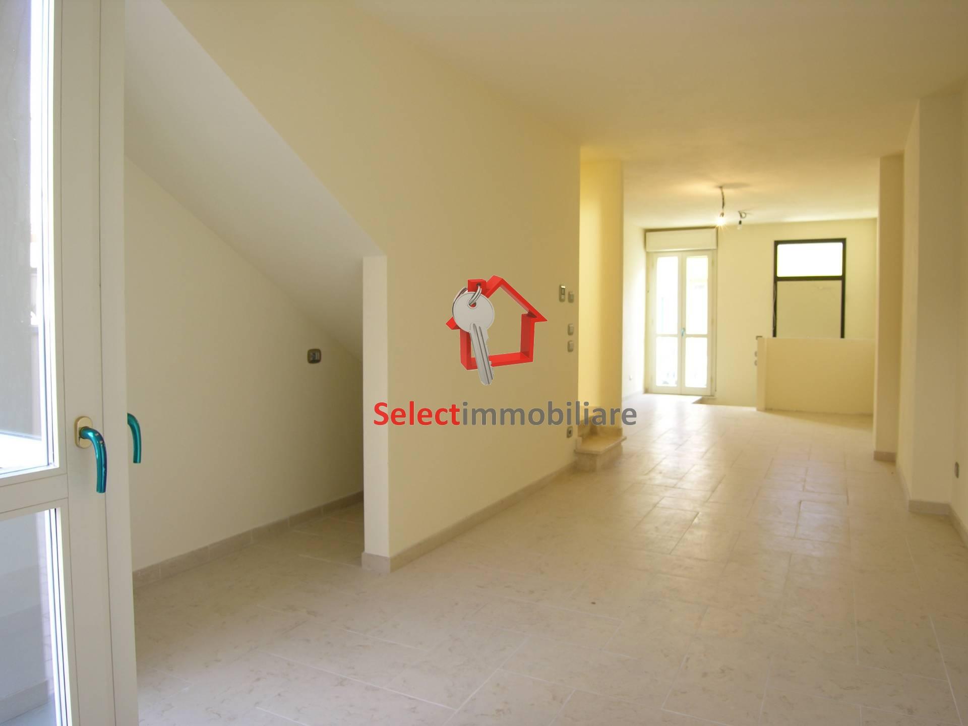 Villa in vendita a Viareggio, 4 locali, zona Località: CENTROMERCATO, prezzo € 494.000 | CambioCasa.it