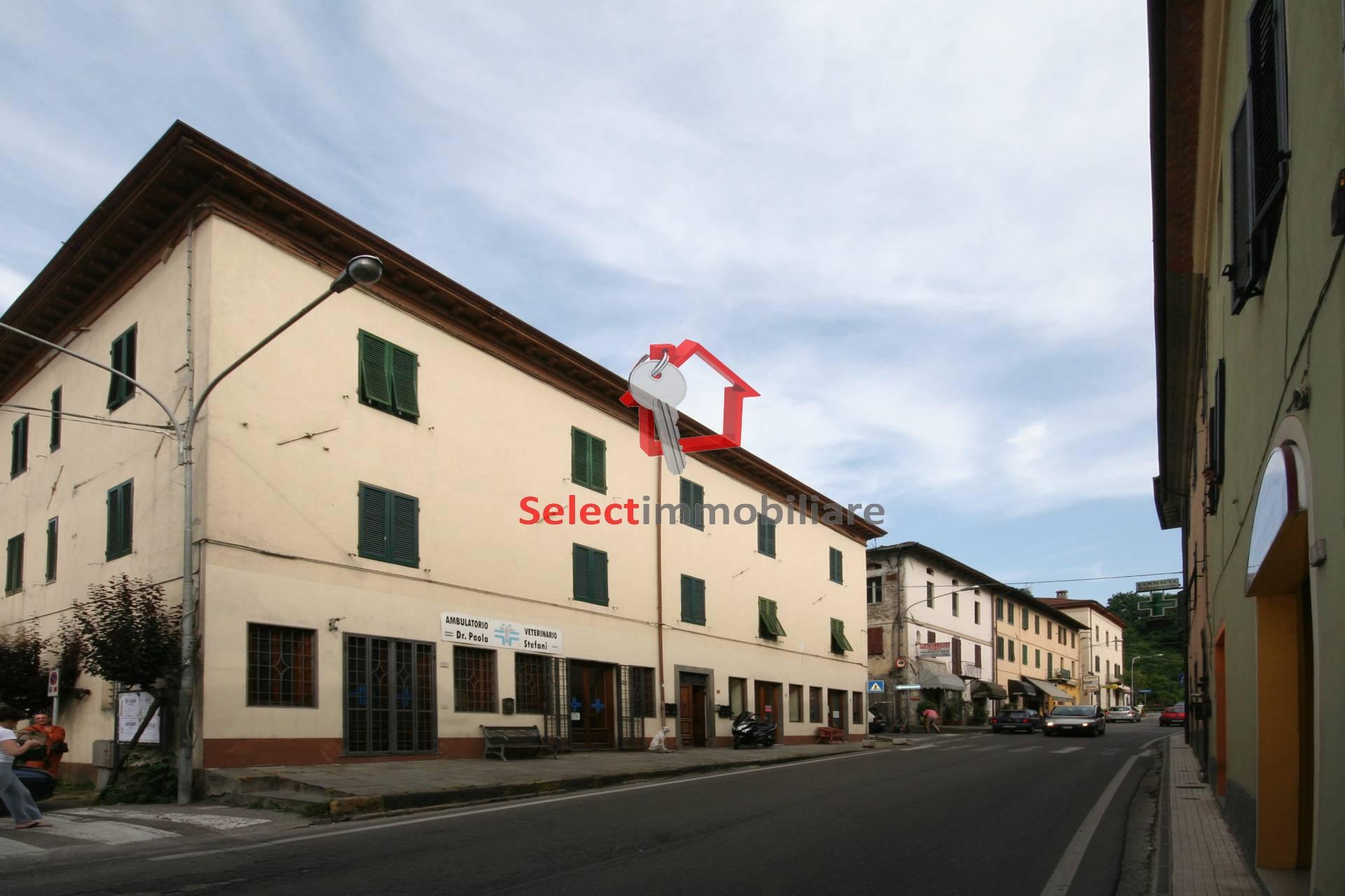 Appartamento in vendita a Barga, 4 locali, zona Località: PonteallAnia, prezzo € 140.000 | Cambio Casa.it