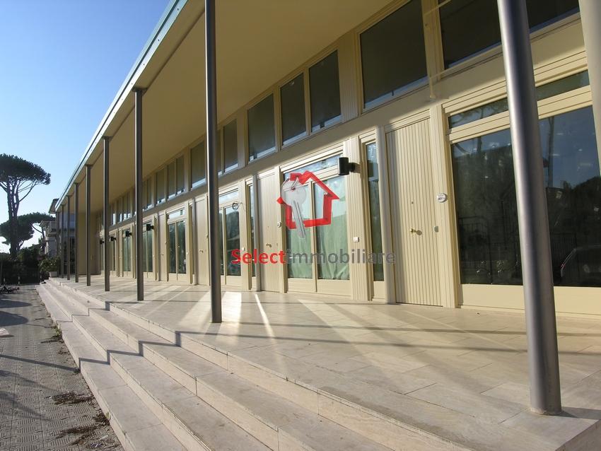 Ufficio / Studio in affitto a Camaiore, 9999 locali, zona Località: LidodiCamaiore, prezzo € 350.000 | Cambio Casa.it