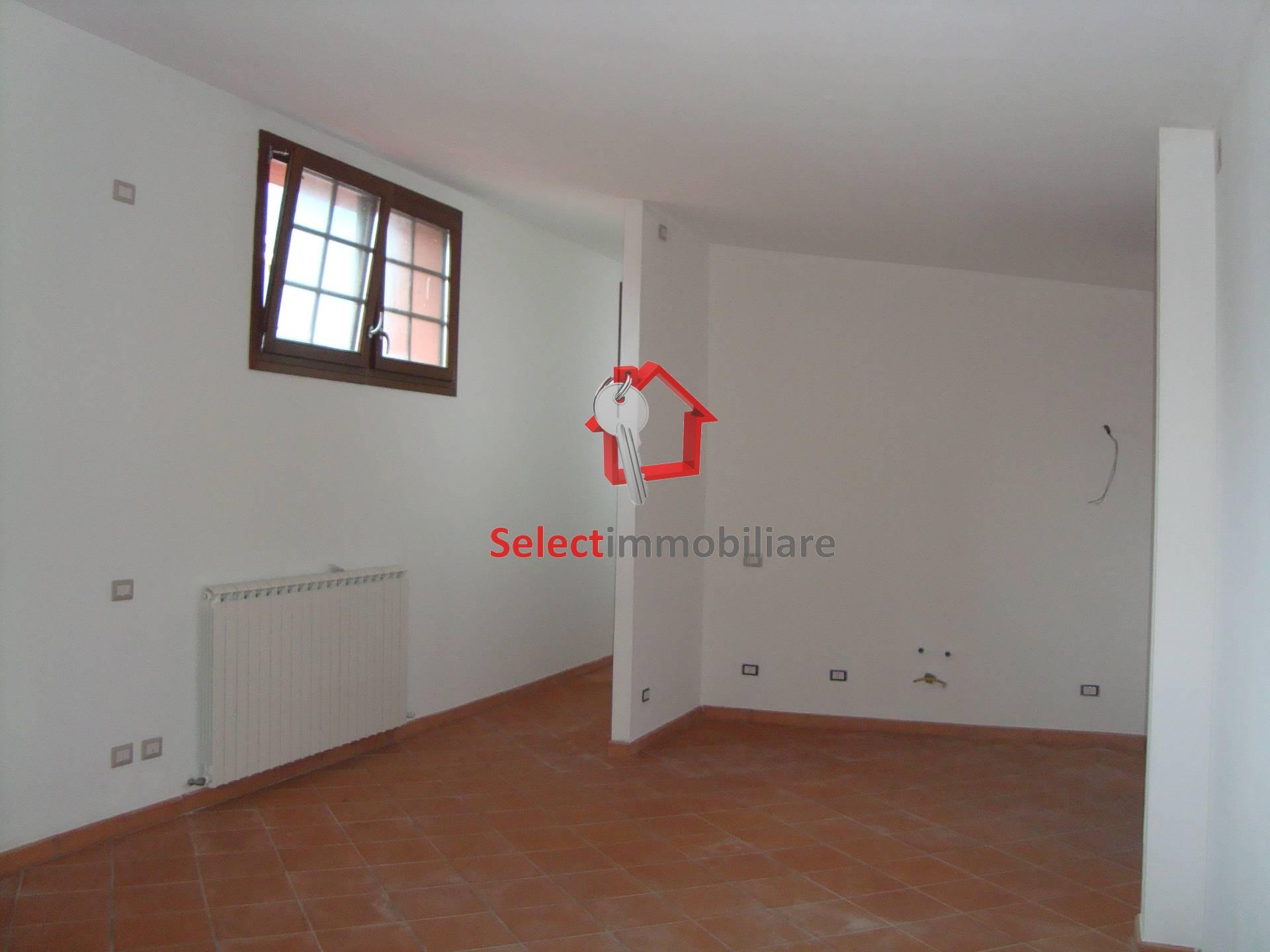 Appartamento in affitto a Bagni di Lucca, 3 locali, prezzo € 170.000 | Cambio Casa.it