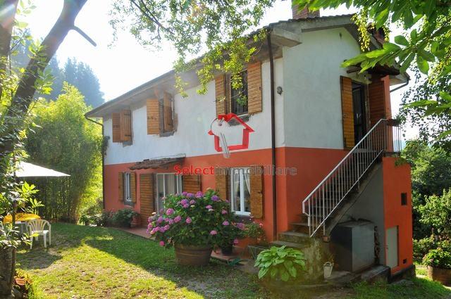Appartamento in affitto a Coreglia Antelminelli, 3 locali, zona Zona: Ghivizzano, prezzo € 350 | Cambio Casa.it