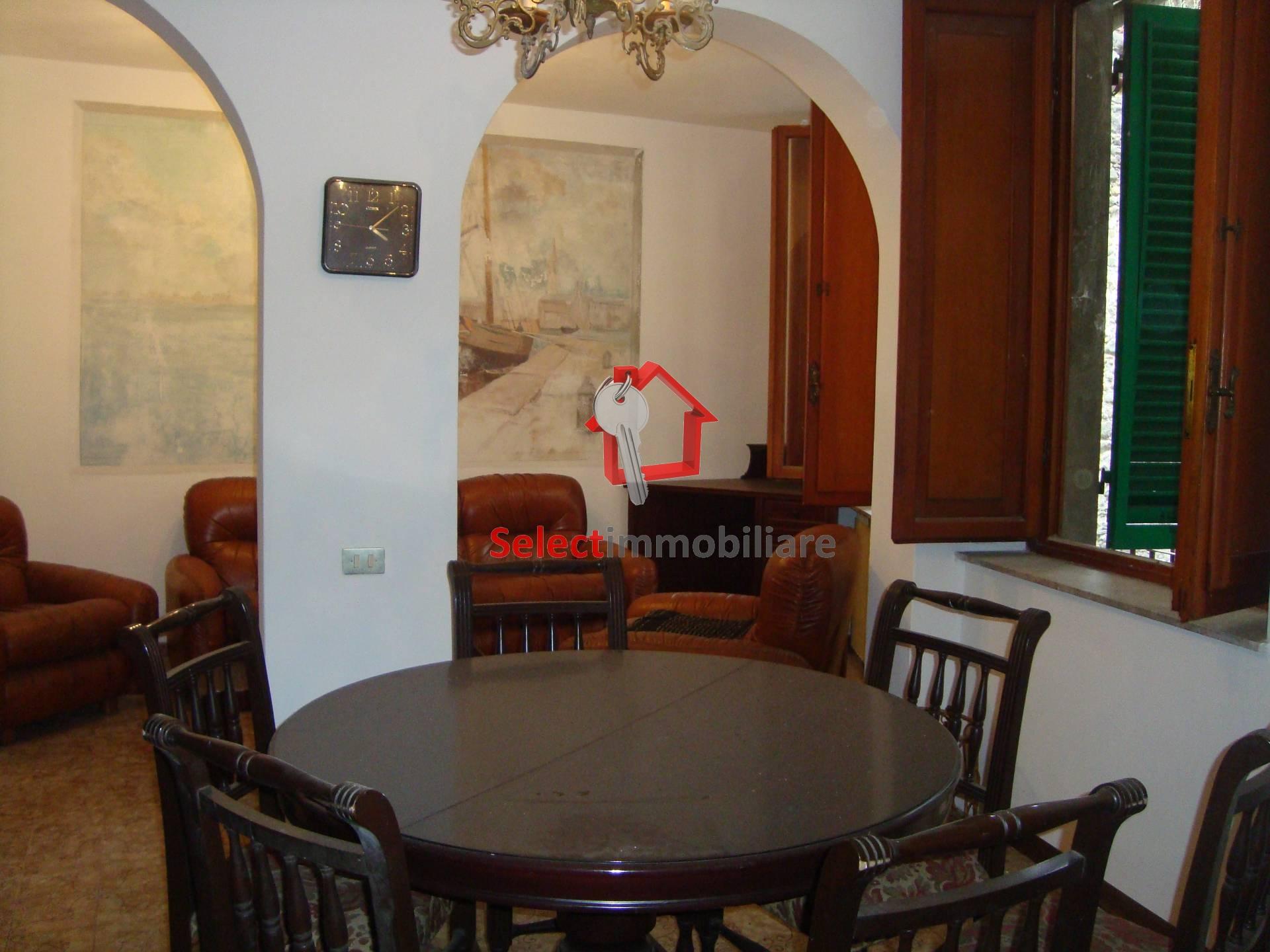 Appartamento in vendita a Borgo a Mozzano, 5 locali, zona Località: capoluogo, prezzo € 150.000 | Cambio Casa.it