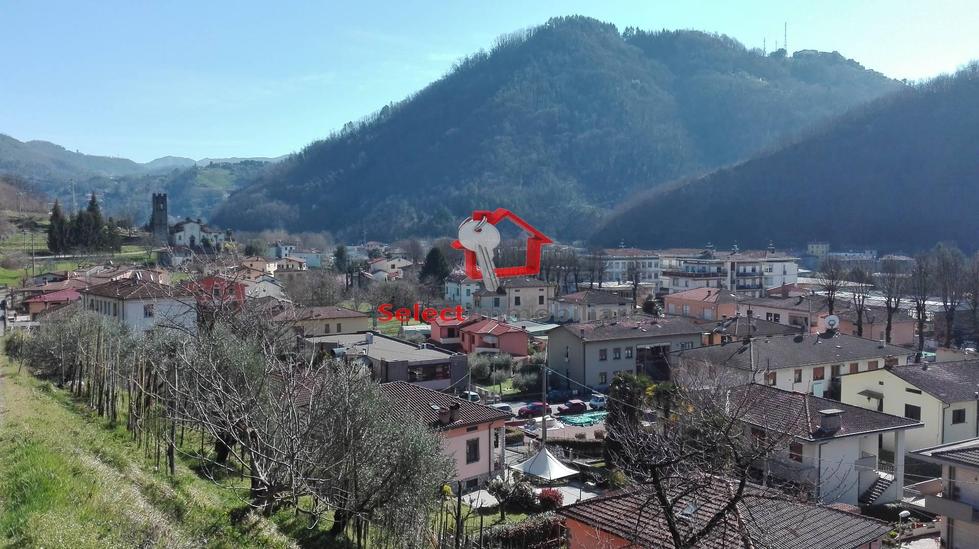 Appartamento in vendita a Bagni di Lucca, 4 locali, zona Zona: Fornoli, prezzo € 90.000 | CambioCasa.it