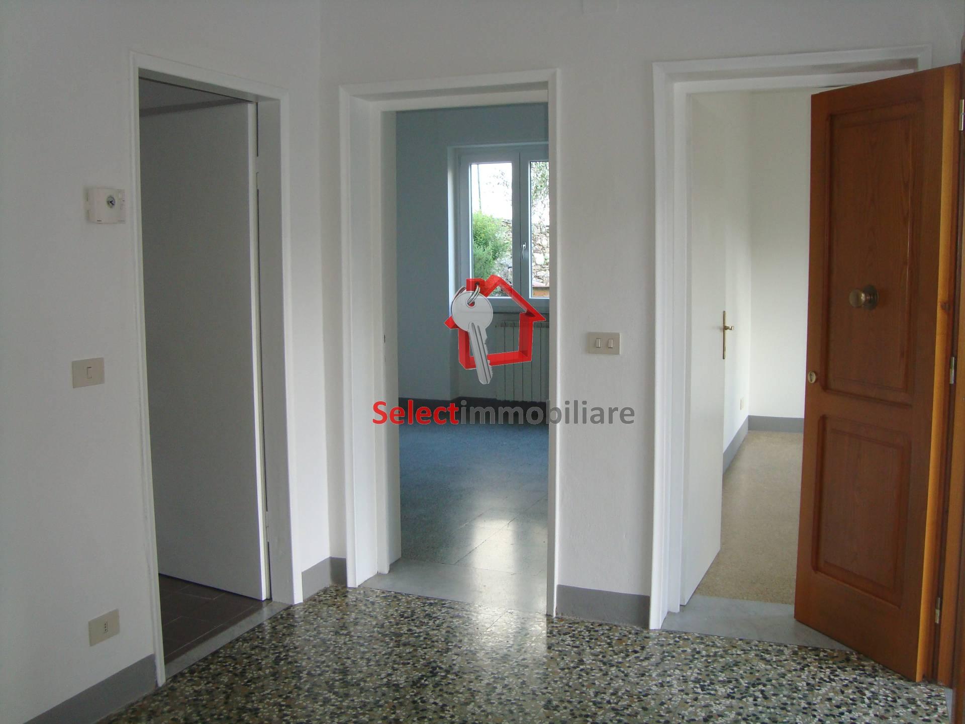 Appartamento in affitto a Borgo a Mozzano, 4 locali, zona Zona: Domazzano, prezzo € 500 | CambioCasa.it