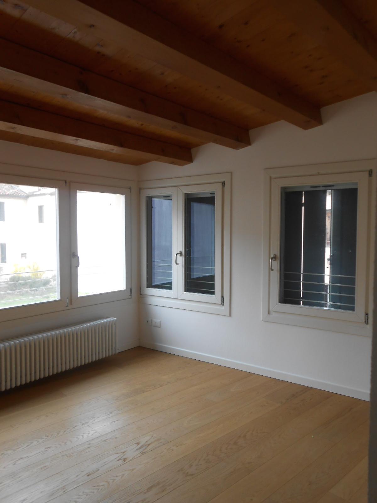 Appartamento in vendita a Conegliano, 7 locali, zona Località: ViaxxSettembre, Trattative riservate | Cambio Casa.it