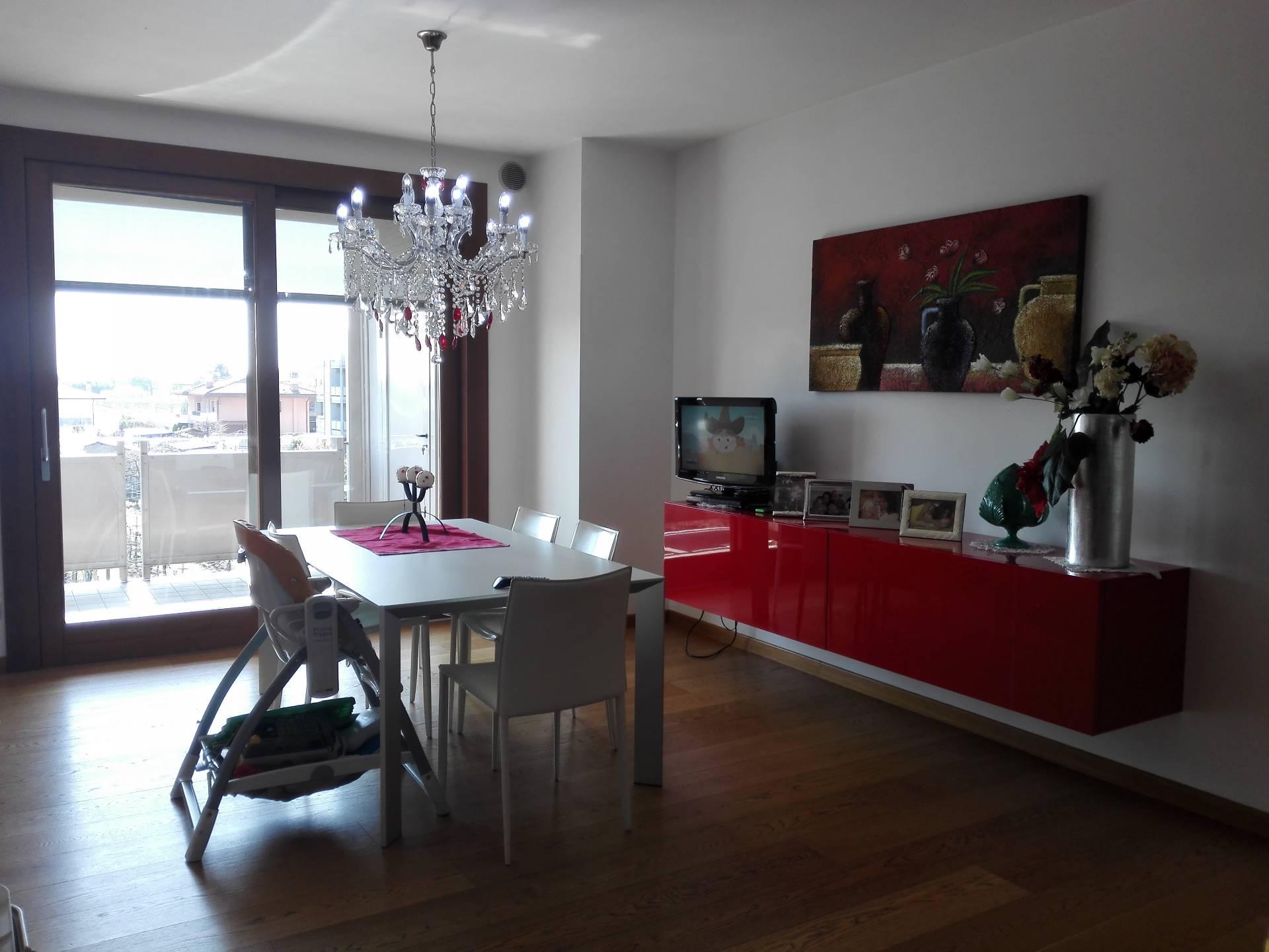 Attico / Mansarda in affitto a Santa Lucia di Piave, 5 locali, zona Zona: Sarano, prezzo € 1.600 | Cambio Casa.it