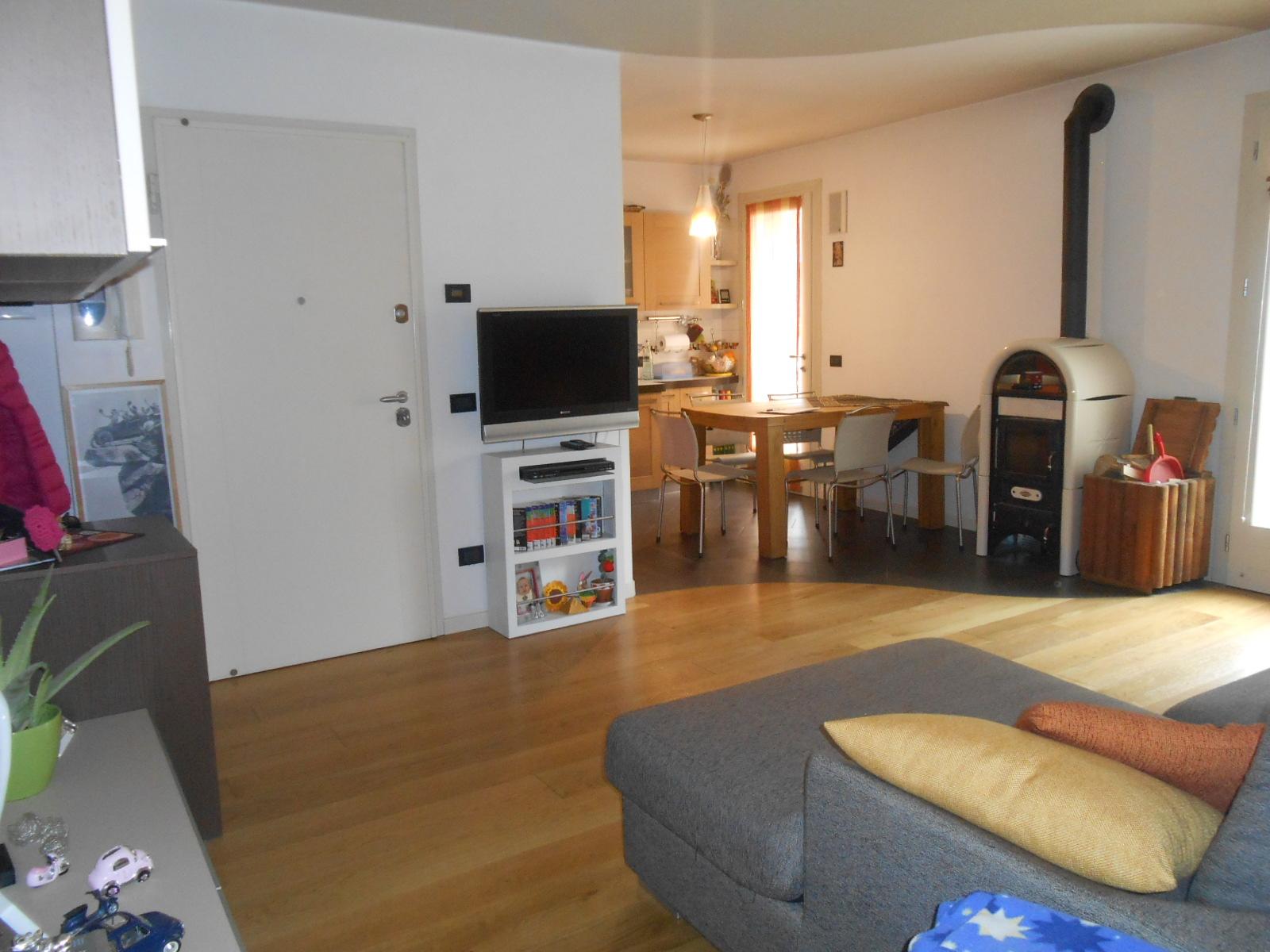 Appartamento in vendita a Vazzola, 5 locali, zona Località: TezzediPiave, prezzo € 142.000 | Cambio Casa.it