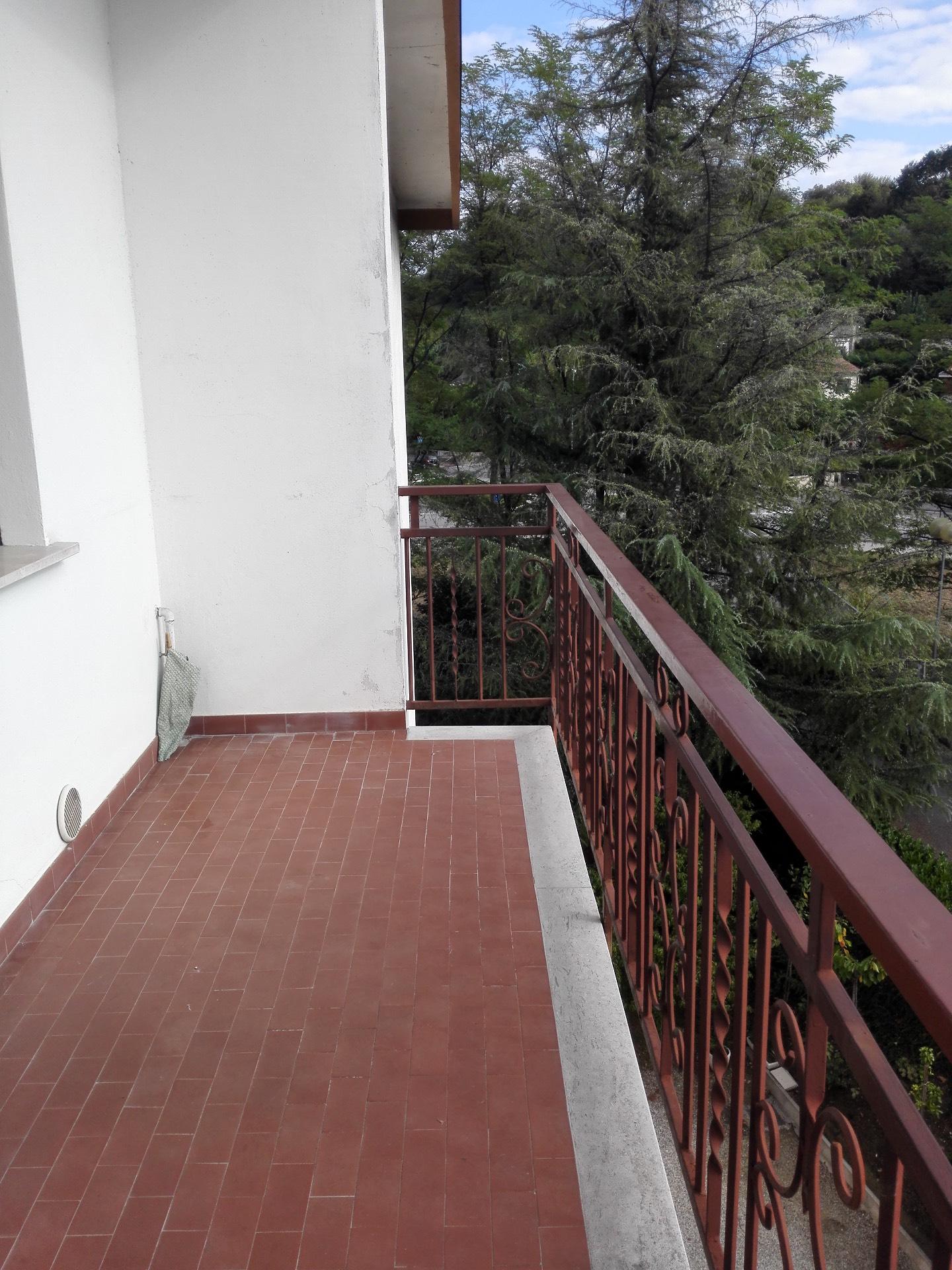 Appartamento in affitto a Conegliano, 8 locali, zona Località: ViaLourdes, prezzo € 550 | Cambio Casa.it