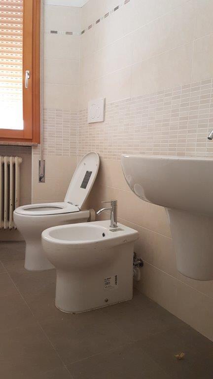 Appartamento in affitto a Treviso, 7 locali, zona Località: FuoriMura, prezzo € 800 | CambioCasa.it