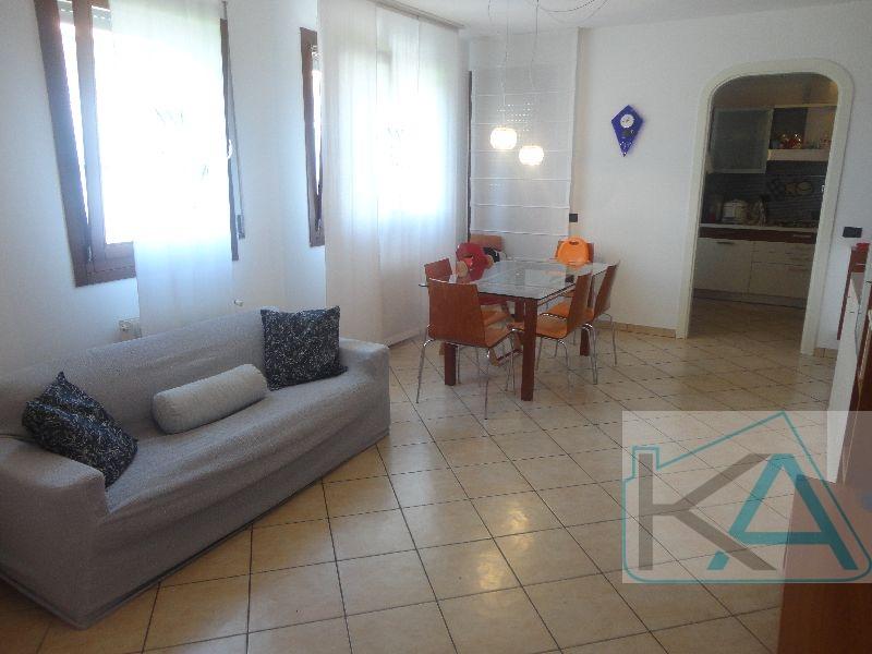 Appartamento in vendita a Santa Lucia di Piave, 6 locali, prezzo € 128.000 | CambioCasa.it