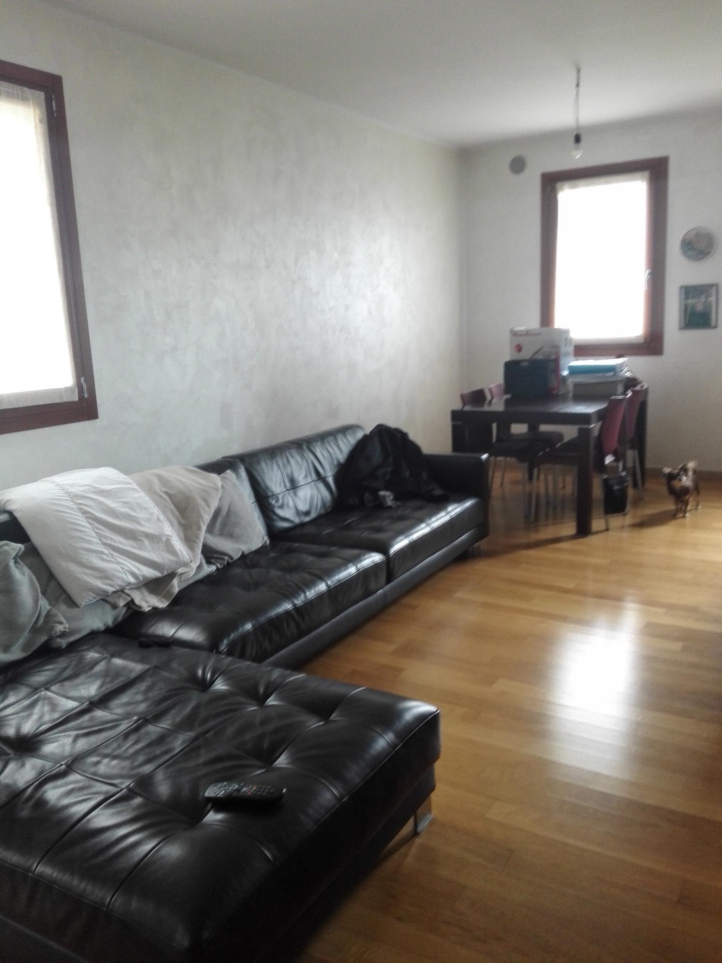 Appartamento in vendita a Santa Lucia di Piave, 5 locali, zona Zona: Sarano, prezzo € 160.000 | CambioCasa.it
