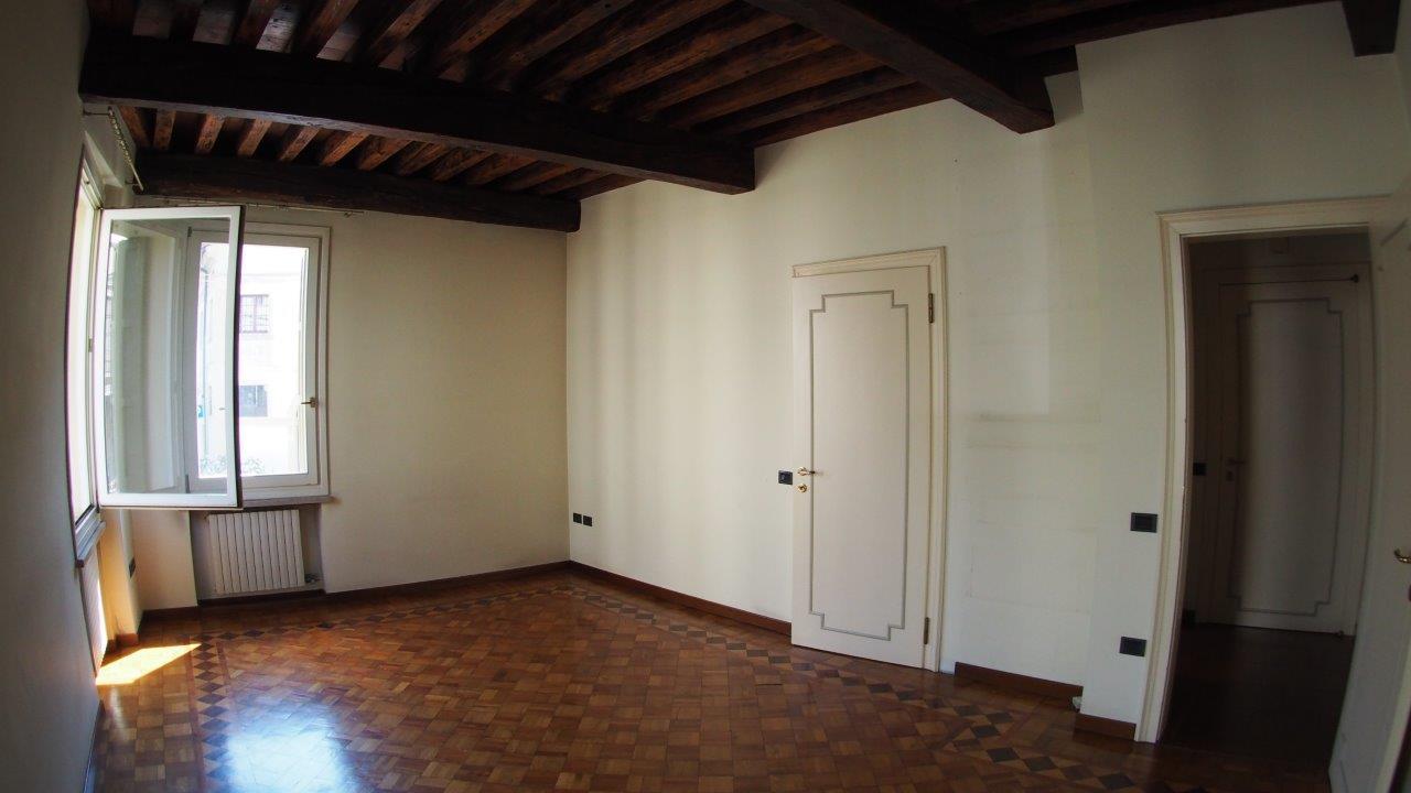 Appartamento in affitto a Treviso, 6 locali, zona Località: Centrostorico, prezzo € 1.350   CambioCasa.it