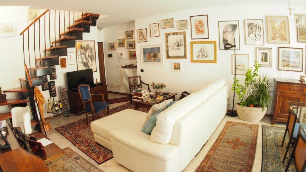 Appartamento in vendita a Casier, 7 locali, zona Località: DossondiCasier, prezzo € 210.000 | CambioCasa.it