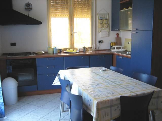 Bilocale Pietra Ligure Piazza San Rocco 3