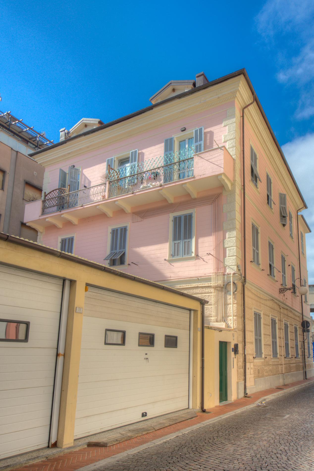 Bilocale Pietra Ligure Via Chiazzari 8
