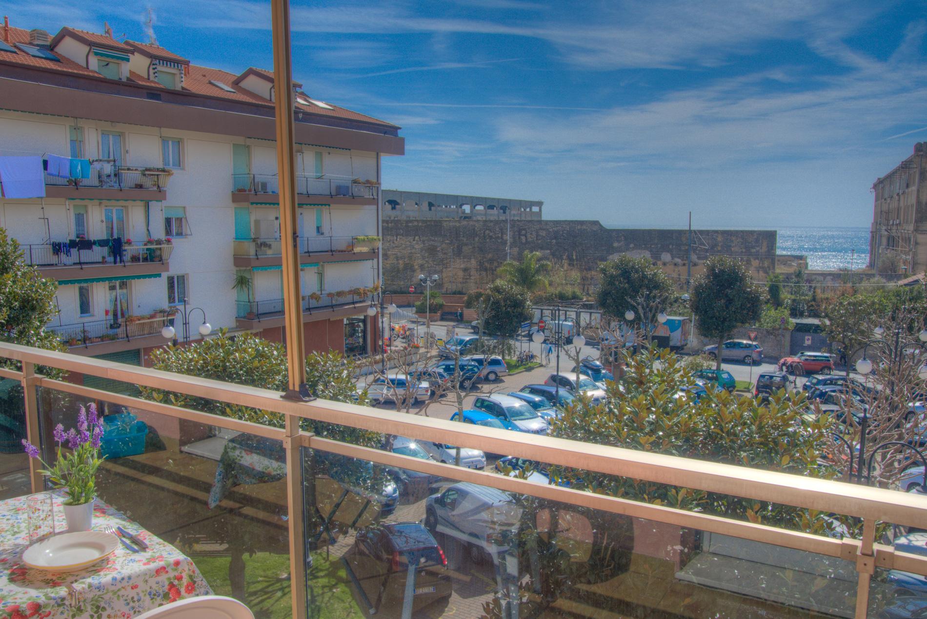 Bilocale Pietra Ligure Piazza Palmarini 6