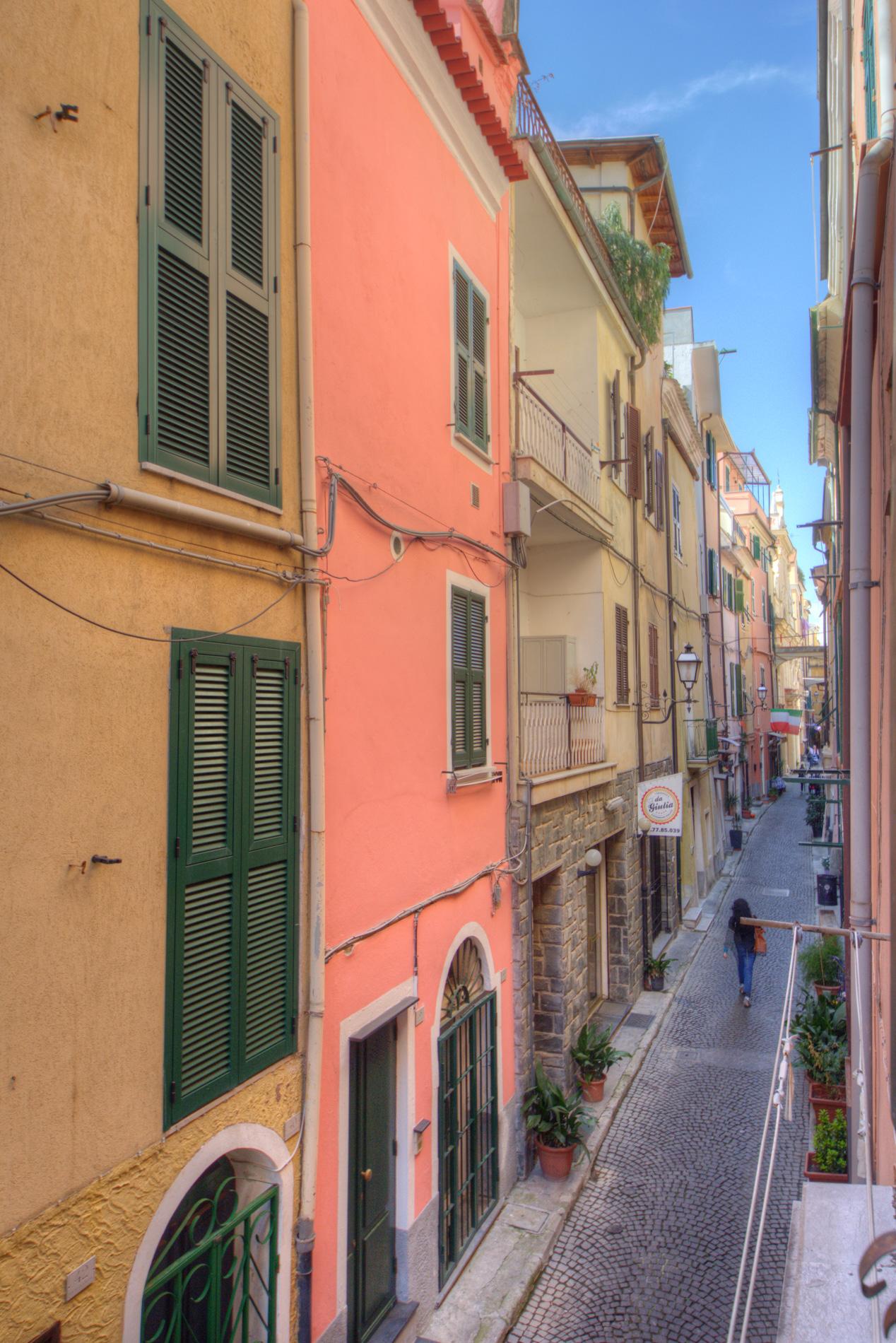 Bilocale Pietra Ligure Via Libertà 7