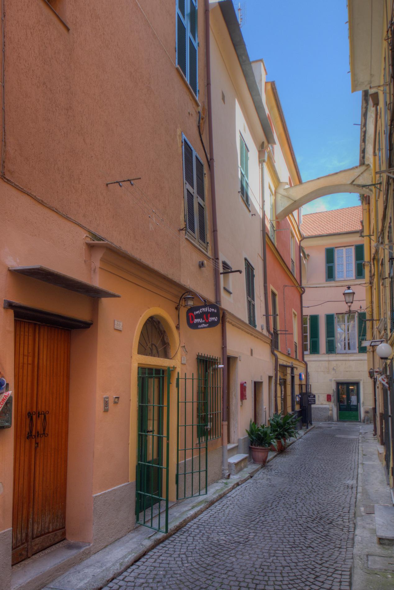 Bilocale Pietra Ligure Via Libertà 9