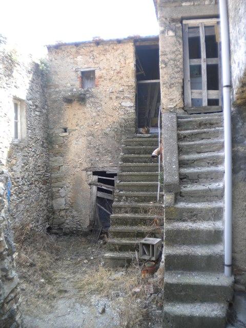 Rustico / Casale in vendita a Tovo San Giacomo, 5 locali, zona Zona: Poggio, prezzo € 200.000 | CambioCasa.it