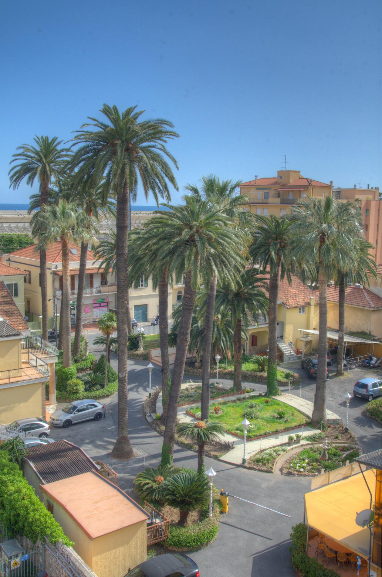 Bilocale Pietra Ligure Piazza Palmarini 10