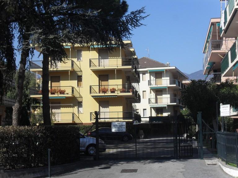 Bilocale Pietra Ligure Viale Della Repubblica 10