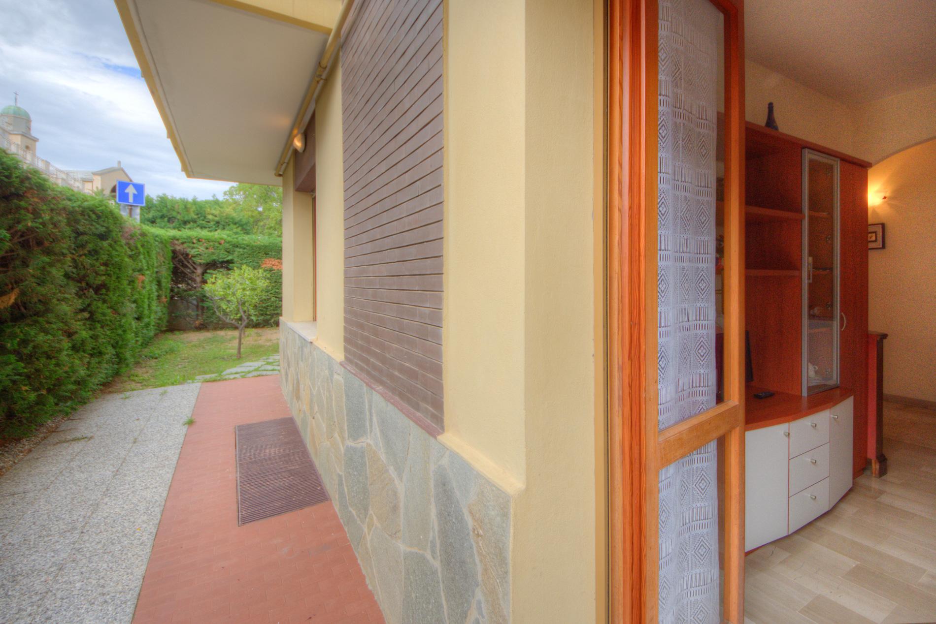 Bilocale Pietra Ligure Via Pinee 9