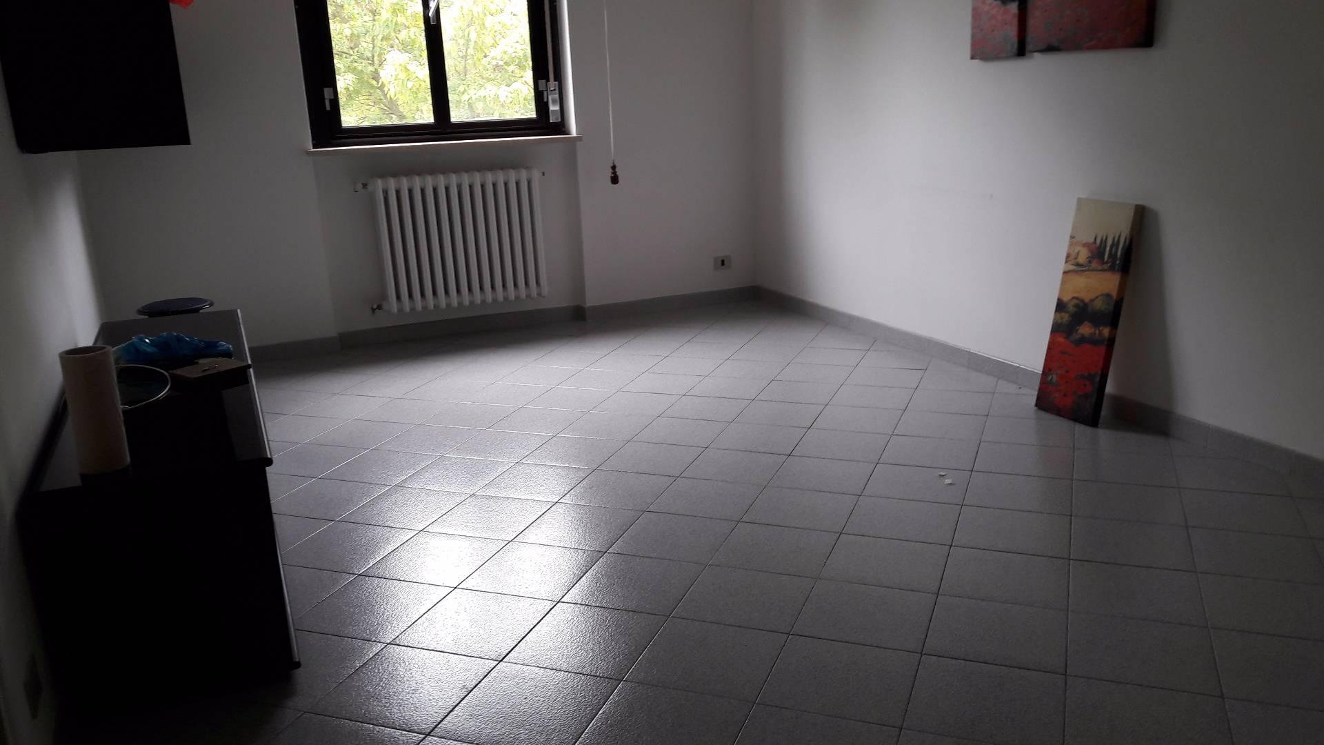 Appartamento in affitto a alessandria cristo barletta for Affitto trani arredato