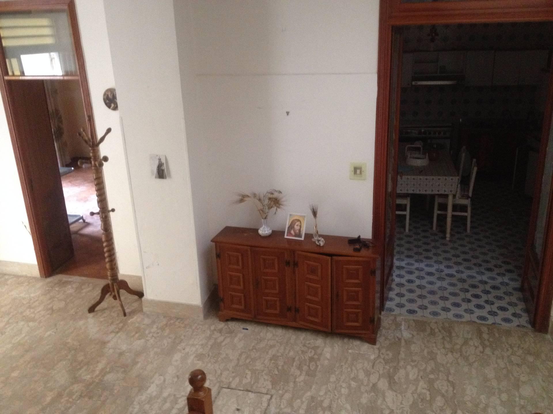 Soluzione Indipendente in vendita a Ottaviano, 8 locali, prezzo € 130.000 | Cambio Casa.it