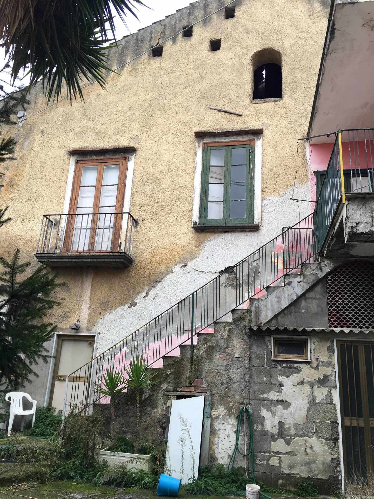 Soluzione Indipendente in vendita a Ottaviano, 6 locali, prezzo € 85.000 | Cambio Casa.it