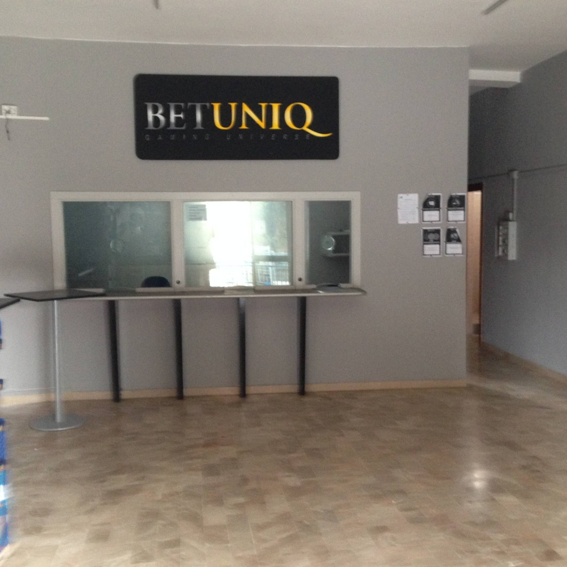 Negozio / Locale in affitto a Ottaviano, 9999 locali, prezzo € 500 | Cambio Casa.it