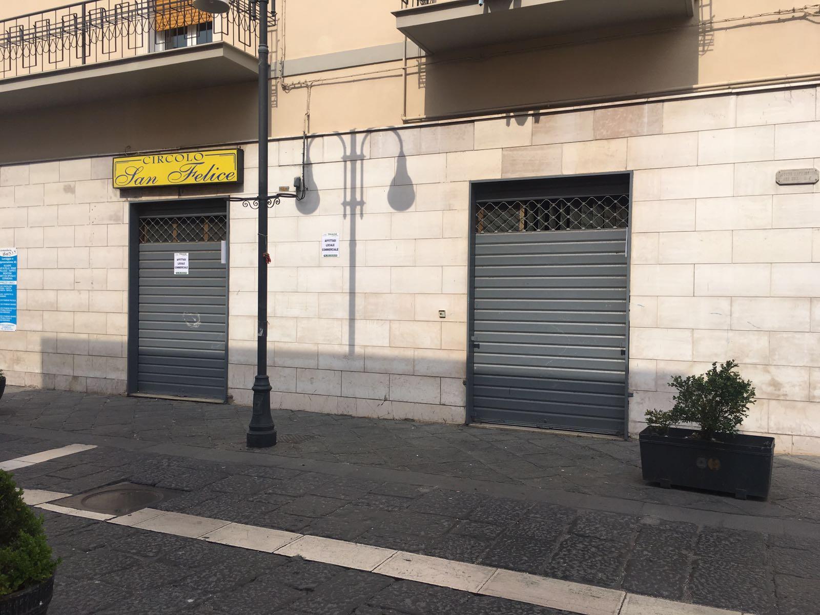 Negozio / Locale in affitto a Palma Campania, 9999 locali, prezzo € 800 | Cambio Casa.it