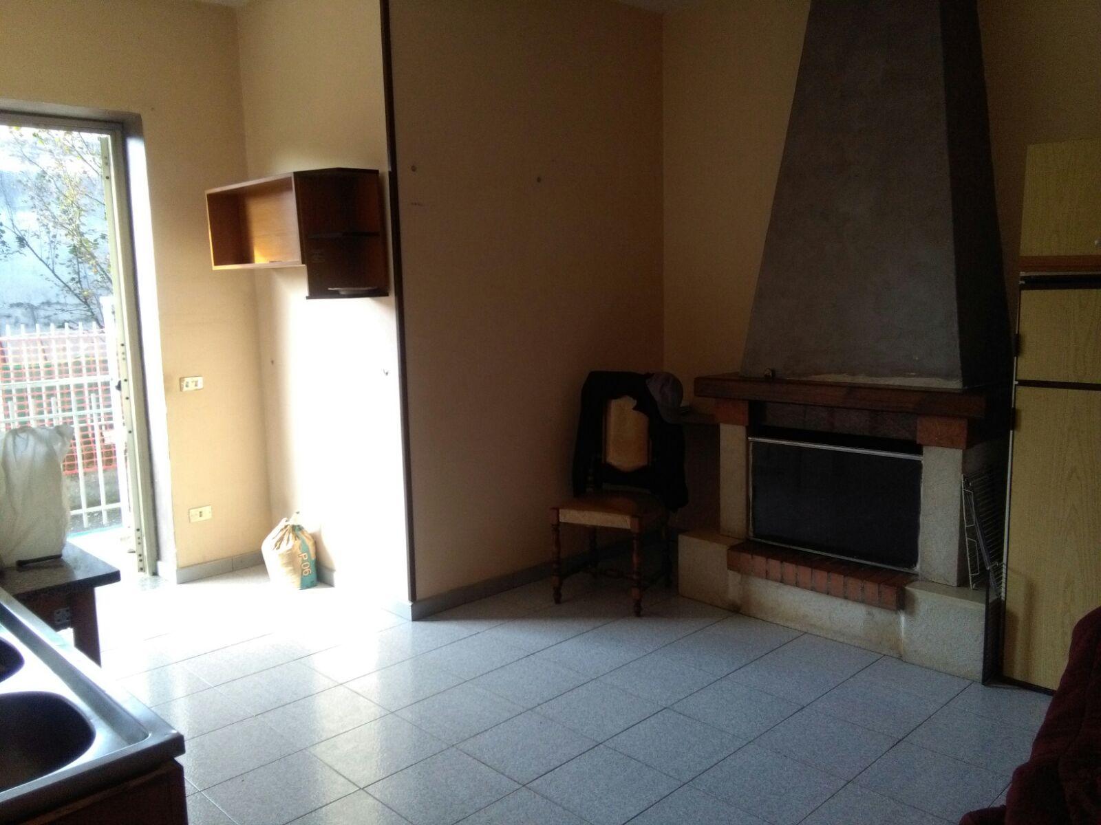 Appartamento in affitto a Ottaviano, 3 locali, prezzo € 300 | CambioCasa.it