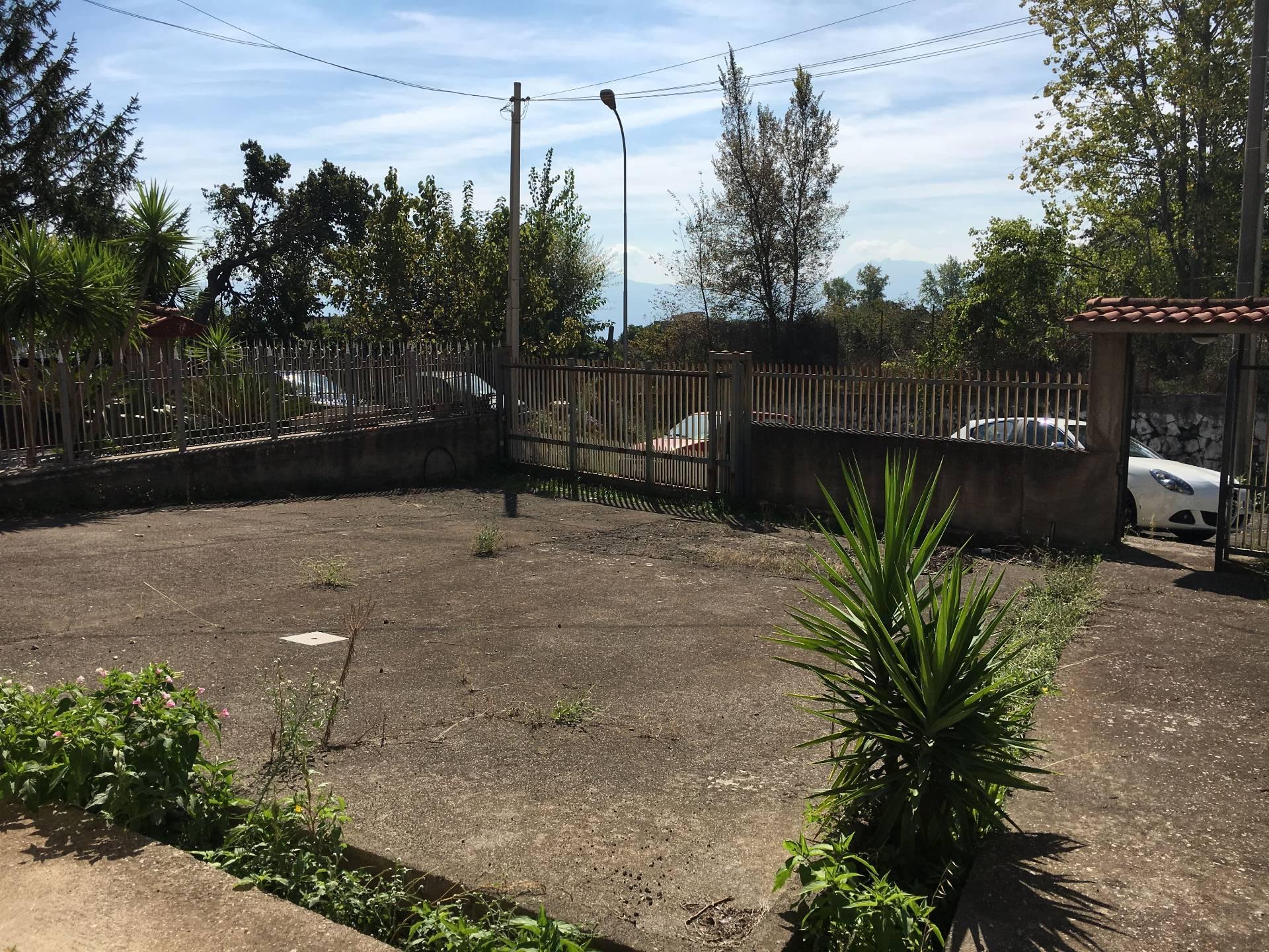 Soluzione Indipendente in vendita a Ottaviano, 8 locali, prezzo € 168.000 | Cambio Casa.it