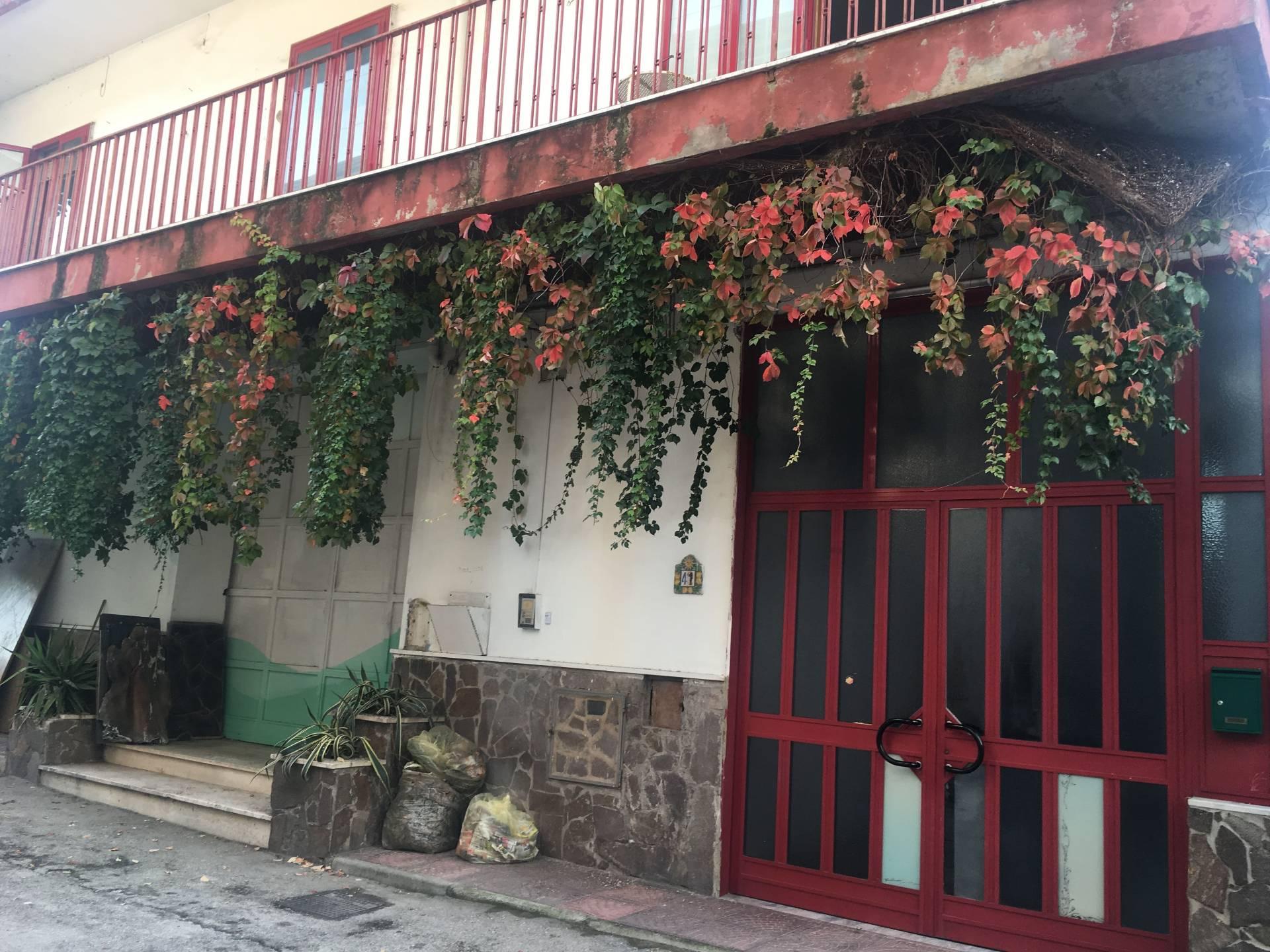 Soluzione Indipendente in vendita a Ottaviano, 12 locali, prezzo € 260.000 | Cambio Casa.it