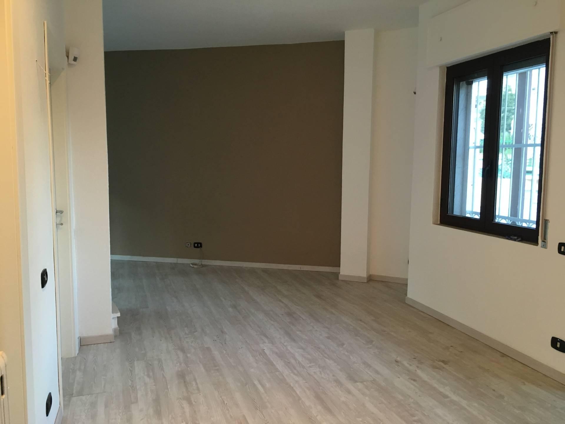 Soluzione Indipendente in affitto a Ottaviano, 3 locali, prezzo € 500 | CambioCasa.it