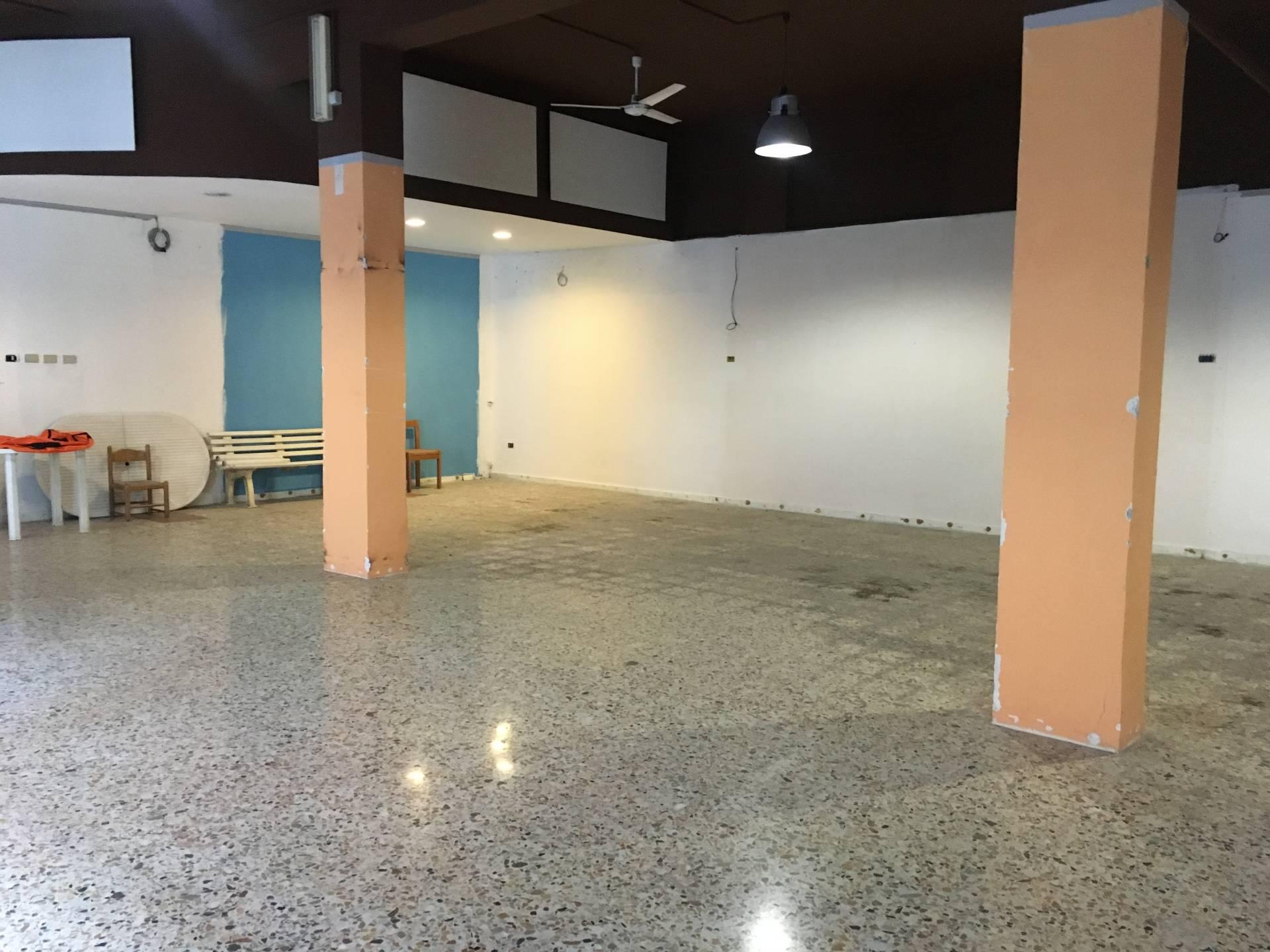 Negozio / Locale in vendita a Ottaviano, 9999 locali, prezzo € 145.000 | CambioCasa.it