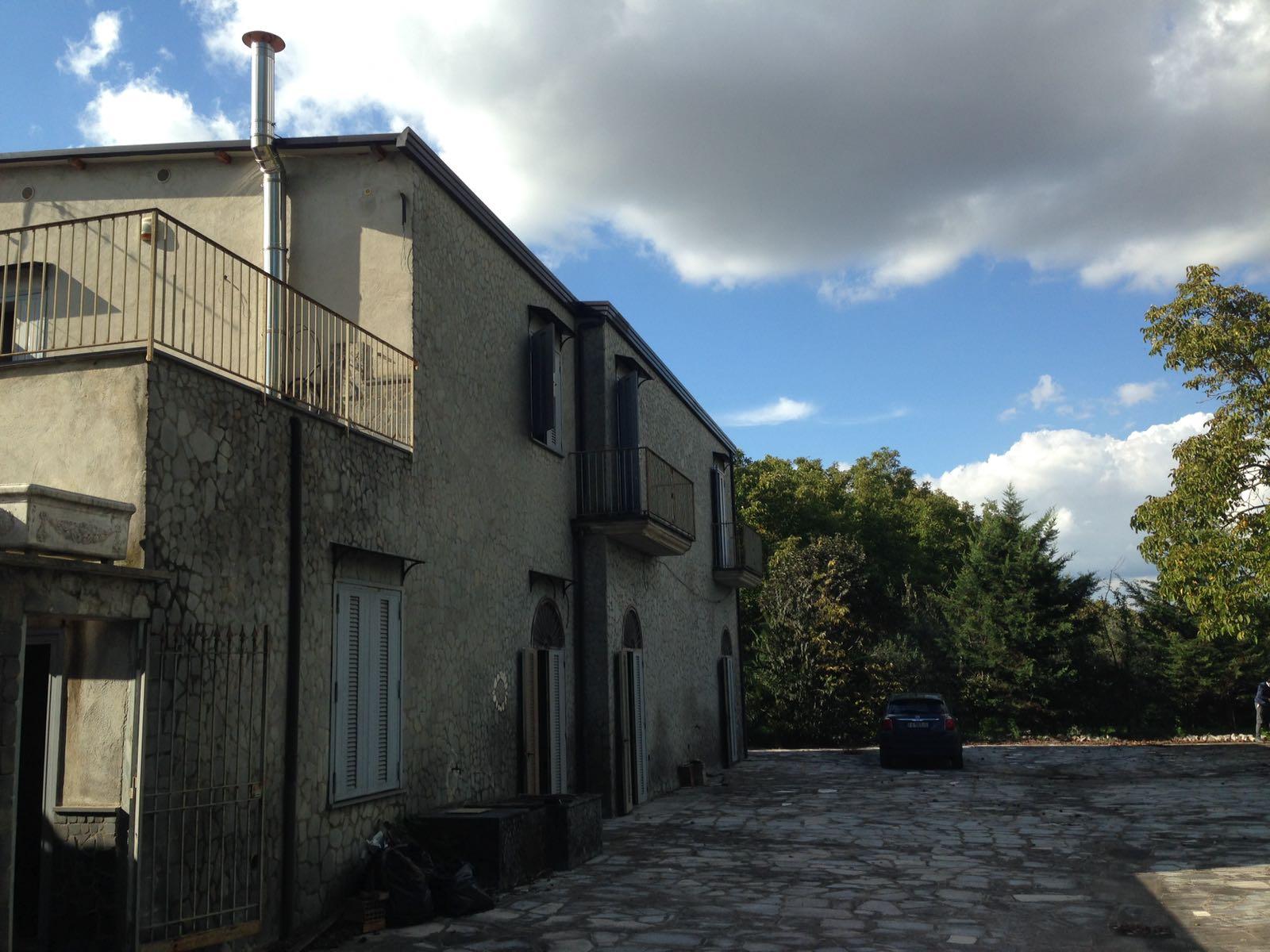 Soluzione Indipendente in vendita a San Giuseppe Vesuviano, 5 locali, prezzo € 450.000 | CambioCasa.it