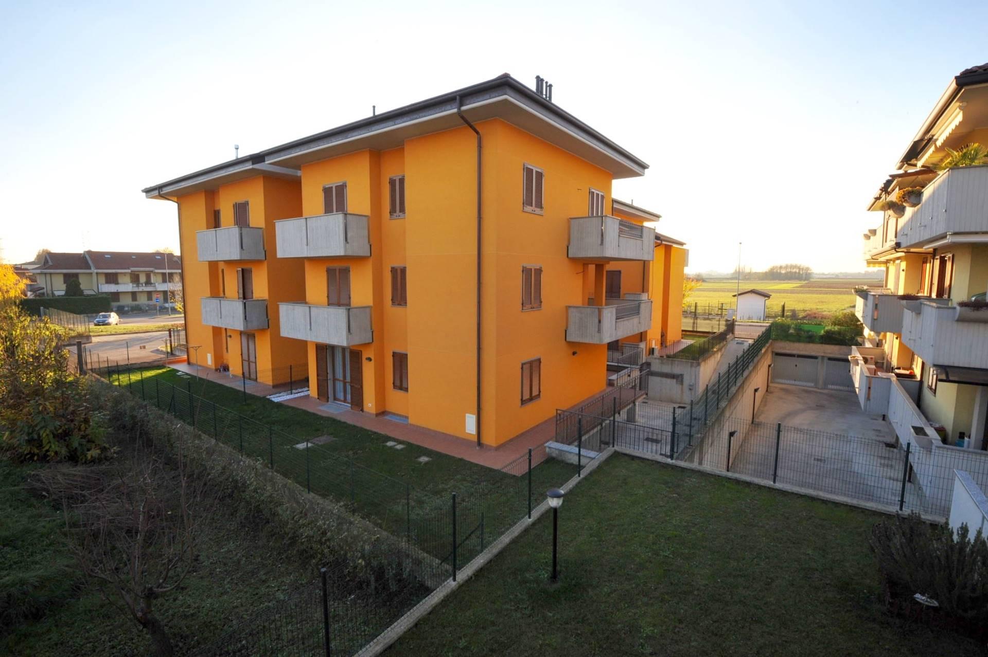 Appartamento in vendita a Ceriano Laghetto, 4 locali, prezzo € 240.000 | Cambio Casa.it