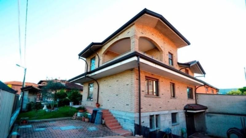 Villa Bifamiliare in Vendita a Cesate