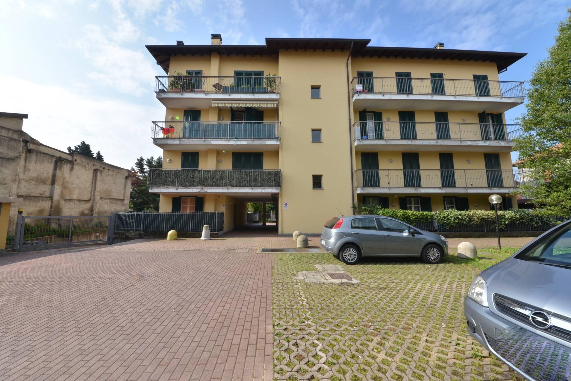 Appartamento in vendita a Ceriano Laghetto, 3 locali, prezzo € 155.000 | Cambio Casa.it