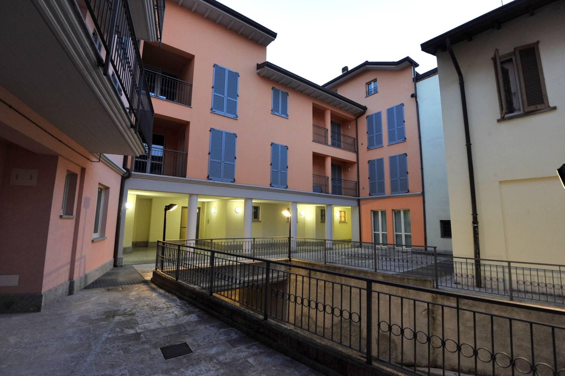 Attico / Mansarda in vendita a Saronno, 4 locali, zona Zona: Centro, Trattative riservate | Cambio Casa.it