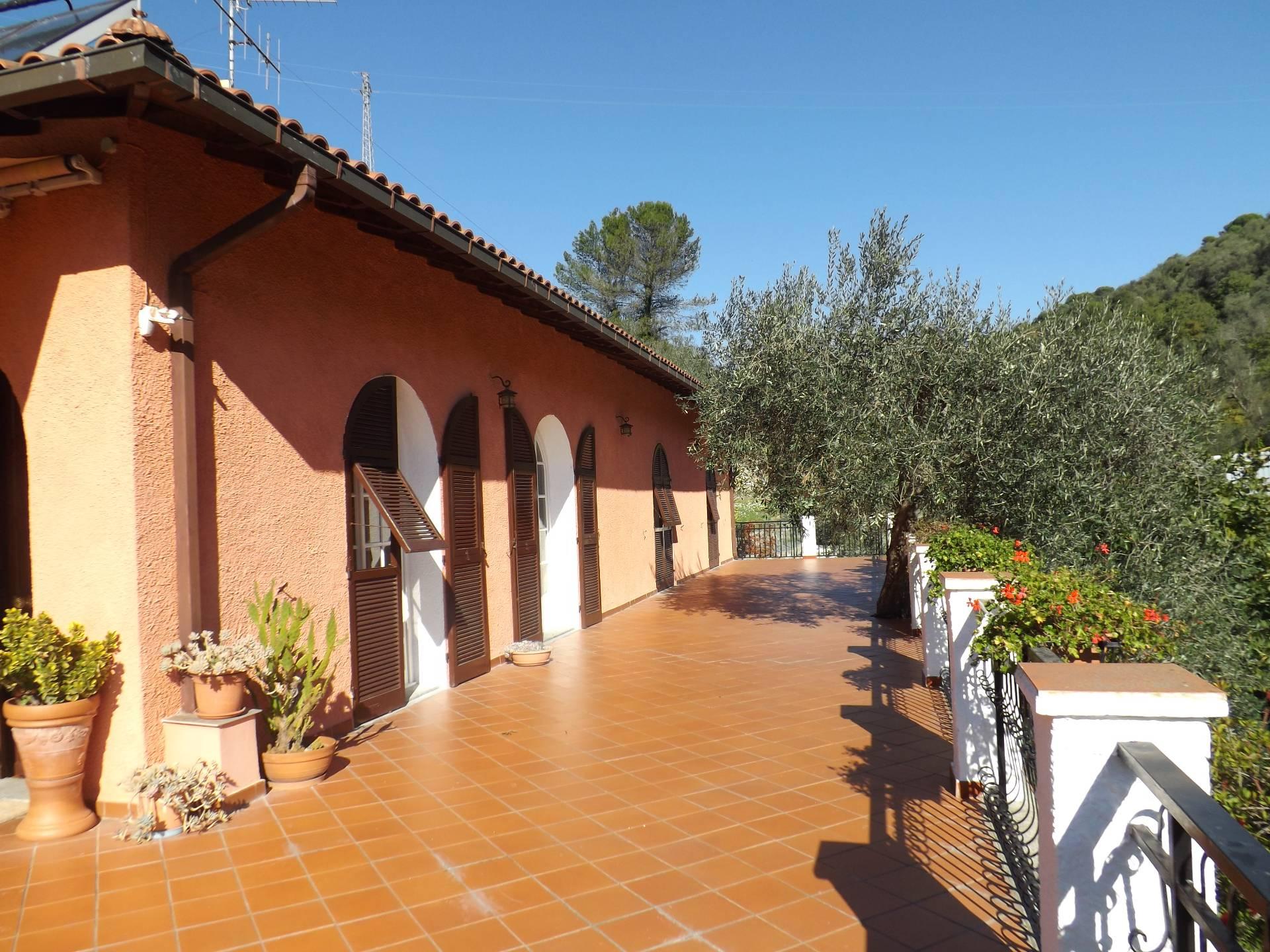 Villa in vendita a Diano Marina, 5 locali, prezzo € 348.000 | Cambio Casa.it
